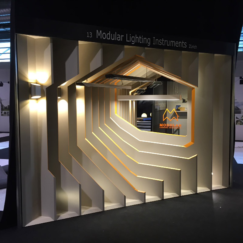 Simple Exhibition Stand Here Alone : Modular lighting instruments
