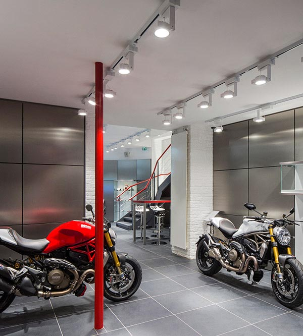 Showroom Ducati, Paris fade