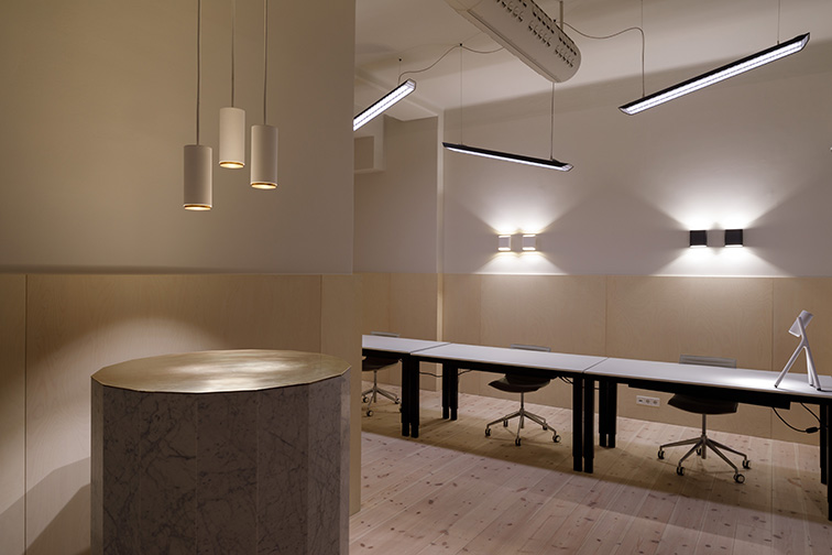 Modular Lighting Instruments 4